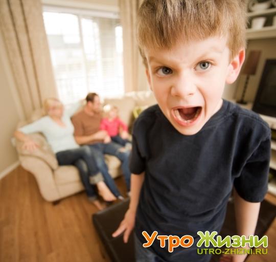 kak-reagirovat-na-detskie-isteriki- 1